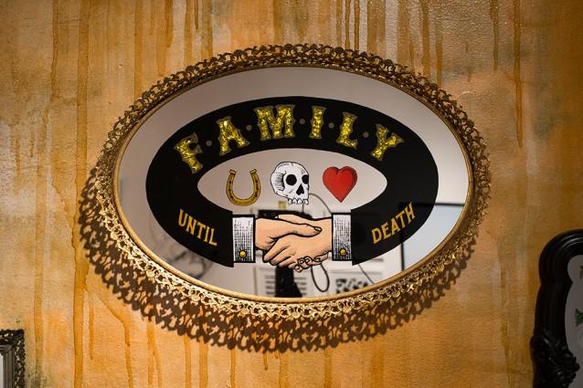 Nathan_Cabrera_family_mirror
